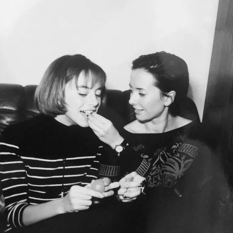 «Её красота впечатляла»: как с годами менялась Жанна Фриске — лучшие снимки исполнительницы